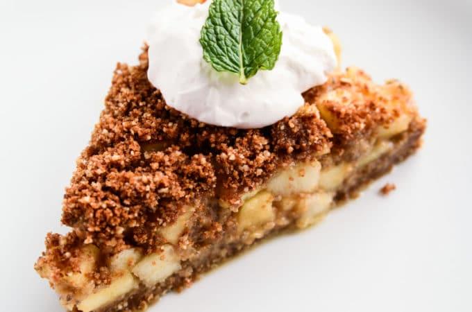 Raw Vegan Apple Pie with Cinnamon-Pecan Streusel - Blissful Basil